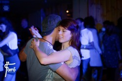 Kom og dans forró med os