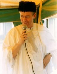 billede-i-traditionelt-outfit-2